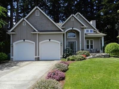 Single Family Home Sold: 25 Par Lane