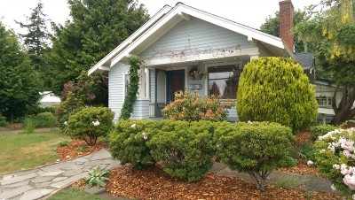 Single Family Home Sold: 1200 E Maplewood Ave