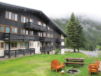 Condo/Townhouse Sold: 33000 Crystal Mountain Blvd E #302
