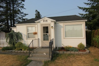 Single Family Home Sold: 208 9th St