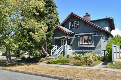 Single Family Home Sold: 2430 Jaeger St