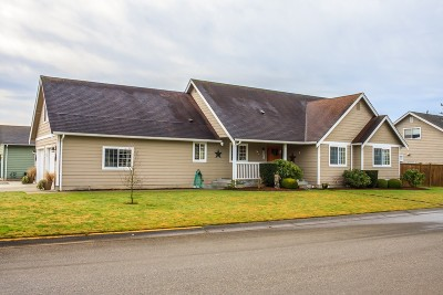 Nooksack Single Family Home Sold: 401 Dennison Lane