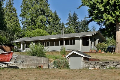 Single Family Home Sold: 3469 Montgomery Lane