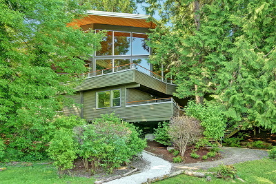 Waterfront Home Sold: 2808 W Lake Sammamish Pkwy NE