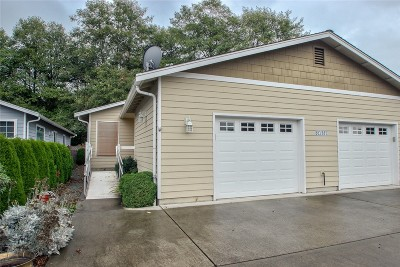 Sedro Woolley Condo/Townhouse Sold: 883 Cook Rd
