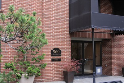 Condo/Townhouse Sold: 960 Harris #404