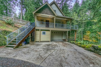 Single Family Home Sold: 14 Stable Lane