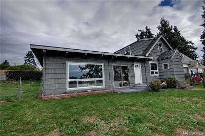 Spanaway Single Family Home For Sale: 16119 Lakeside Dr