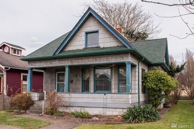 Single Family Home Sold: 2220 Lynn St