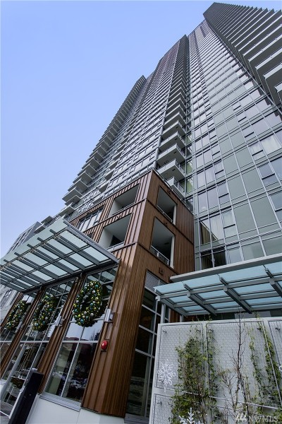 Condo/Townhouse Sold: 588 Bell St #1802S