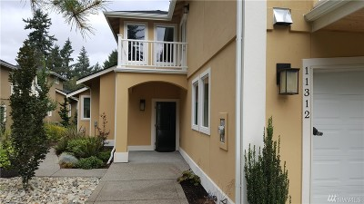 Lakewood Condo/Townhouse Contingent: 11312 Greystone Dr SW #7A