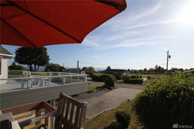 Point Roberts Single Family Home For Sale: 632 Highland Dr