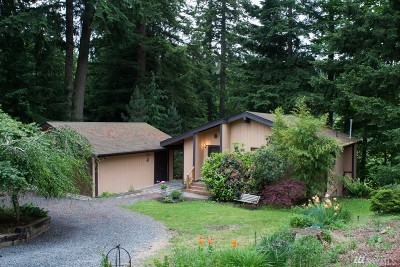 Single Family Home Sold: 5 Tee Place