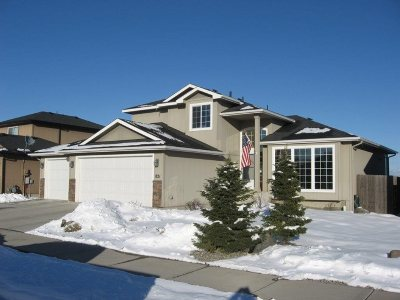 Single Family Home Sold: 821 S Quamash Ct