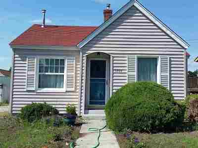 Single Family Home For Sale: 3204 W Lacrosse