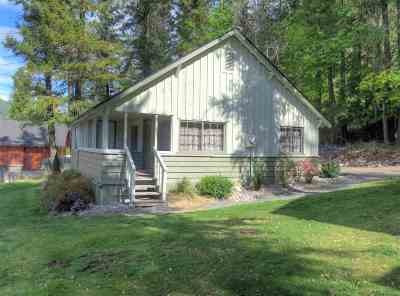 Spokane County, Stevens County Single Family Home For Sale: 3001 N Deep Lake Boundary Rd #Cabin #1