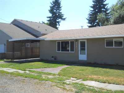 Medical Lk WA Single Family Home For Sale: $128,000