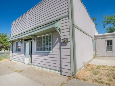 Single Family Home Chg Price: 2229 E Boone Ave