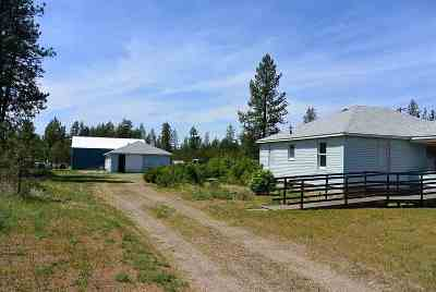 Single Family Home For Sale: 33817 N Us Hwy 2 Hwy