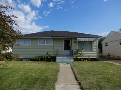 Spokane Single Family Home For Sale: 1911 E Longfellow Ave