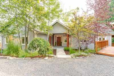 Bonner County, Pend Oreille County Single Family Home For Sale: 747 W Garfield Bay Rd