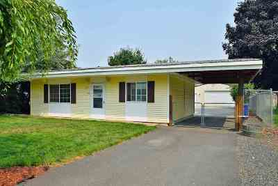 Medical Lk WA Single Family Home For Sale: $184,900