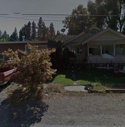 Spokane Valley Single Family Home Ctg-Short Sale: 9812 E 4th Ave