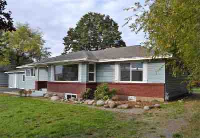 Spokane Valley Single Family Home For Sale: 2123 N Lily Rd
