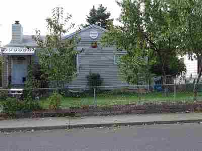 Spokane Single Family Home For Sale: 2028 E Bismark Ave