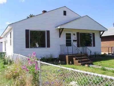 Spokane Single Family Home For Sale: 1208 E Heroy Ave