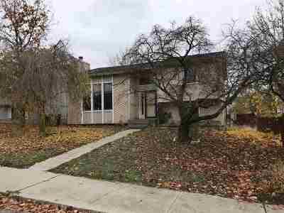 Single Family Home Ctg-Short Sale: 2637 E 33rd Ave