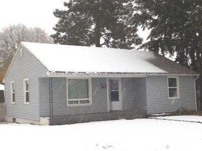 Single Family Home Ctg-Inspection: 2228 W Queen Ave