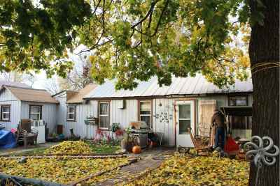 Spokane Single Family Home For Sale: 2002 W Augusta Ave