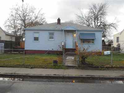 Spokane Single Family Home For Sale: 1722 E Joseph Ave