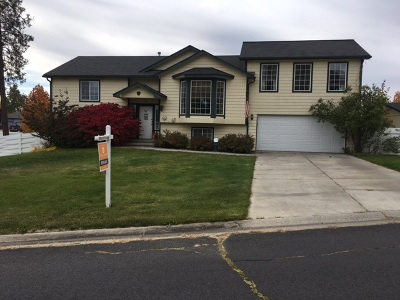 Spokane Single Family Home For Sale: 910 E Country Hill Ct
