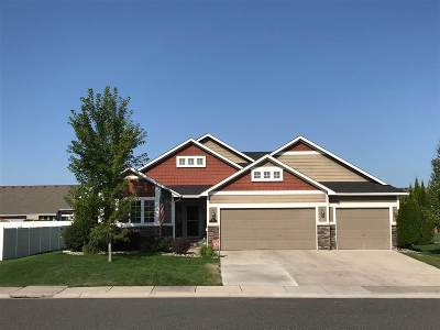 Deer Park Single Family Home For Sale: 901 N Oasis Ave