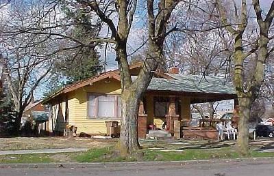 Spokane Single Family Home Ctg-Short Sale: 1704 W York Ave