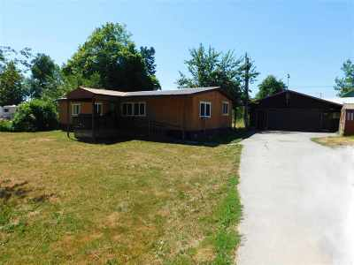 Cusick Mobile Home For Sale: 409 Sacheen Ave