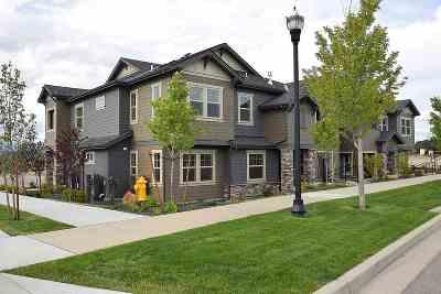 Liberty LK Condo/Townhouse For Sale: 24493 E Pinnacle Ct #Unit E