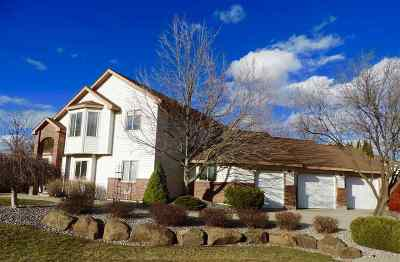 Liberty Lk Single Family Home For Sale: 804 N Fairway Ct