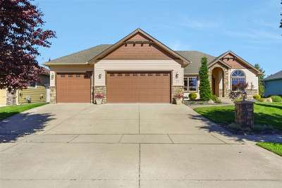 Deer Park Single Family Home New: 731 N Country Club Dr