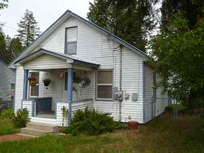 Single Family Home Bom: 220 N Scott Ave