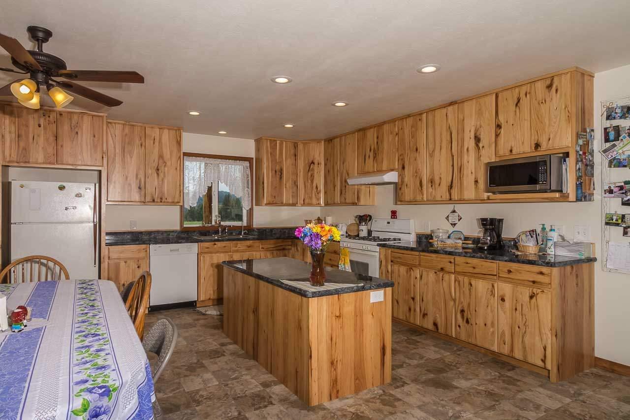 3034 S Hwy 395 Hwy, Valley, WA.| MLS# 201819318 | Real Estate ...