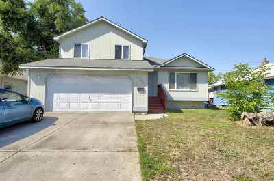 Single Family Home For Sale: 1307 E Rowan Ave