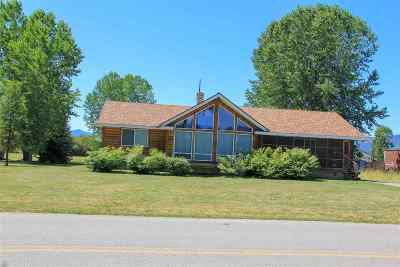 Cusick Single Family Home New: 457 River Rd