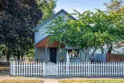 Single Family Home For Sale: 2623 E Everett Ave