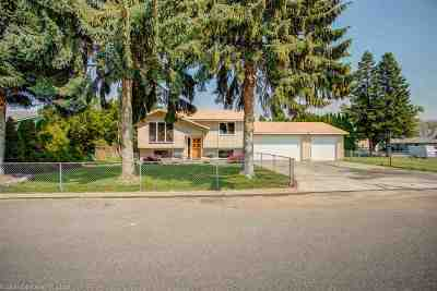 Single Family Home Ctg-Sale Buyers Hm: 19325 E Main Ave