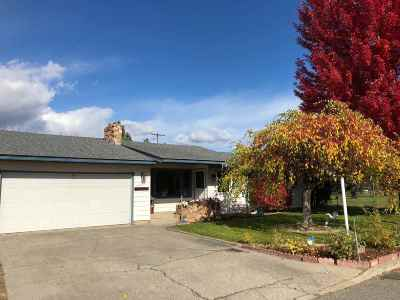 Single Family Home For Sale: 11821 E 15th Ave
