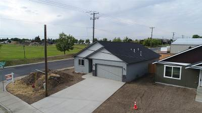 Spokane County Single Family Home For Sale: 2903 E Bridgeport Ave