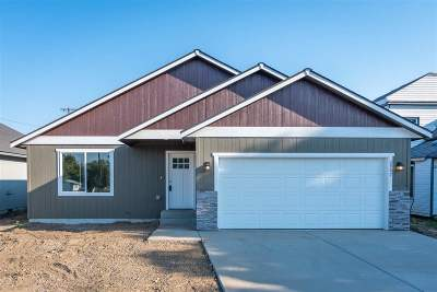 Spokane County Single Family Home For Sale: 2907 E Bridgeport Ave